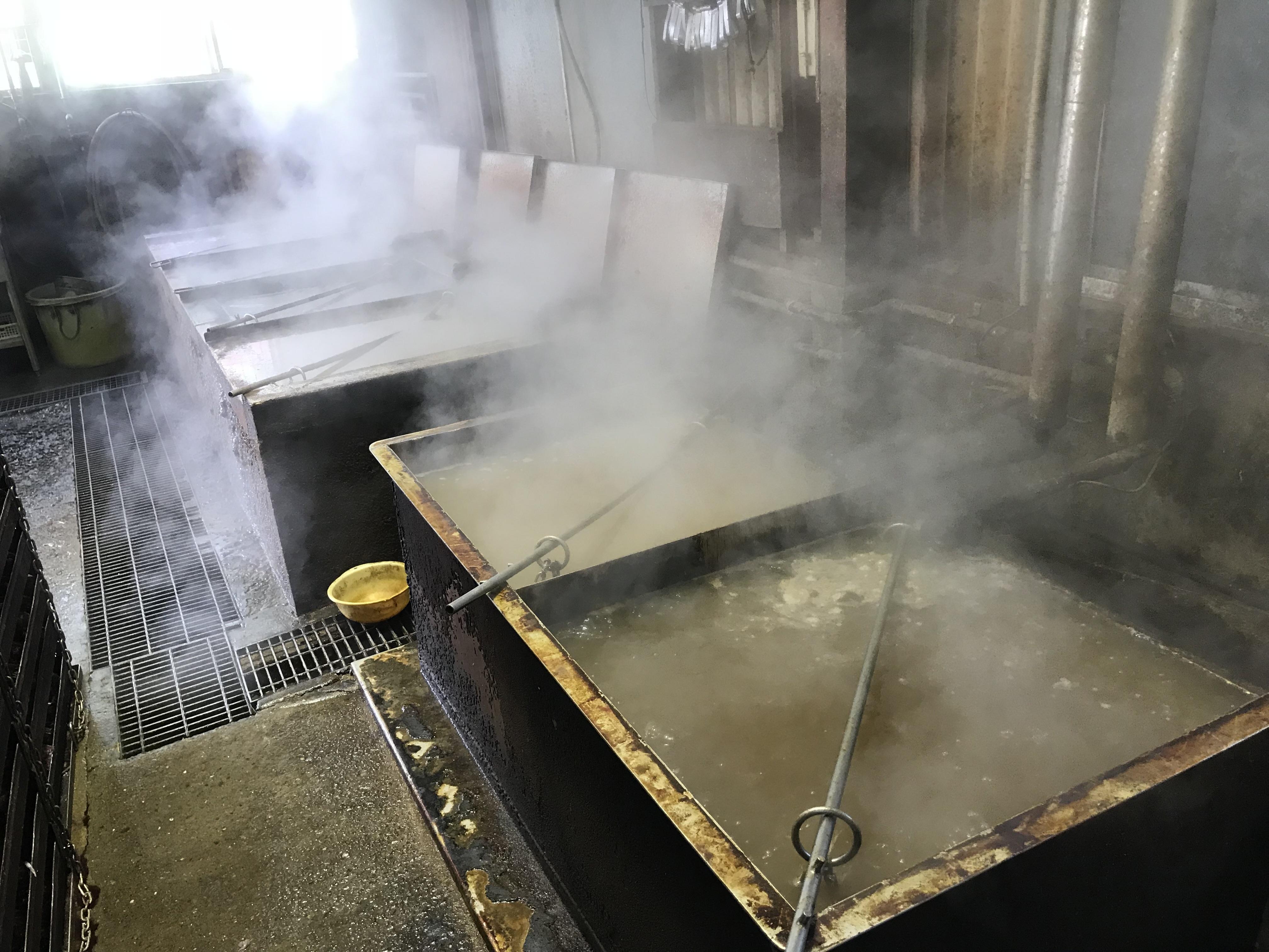 煮釜による煮熟