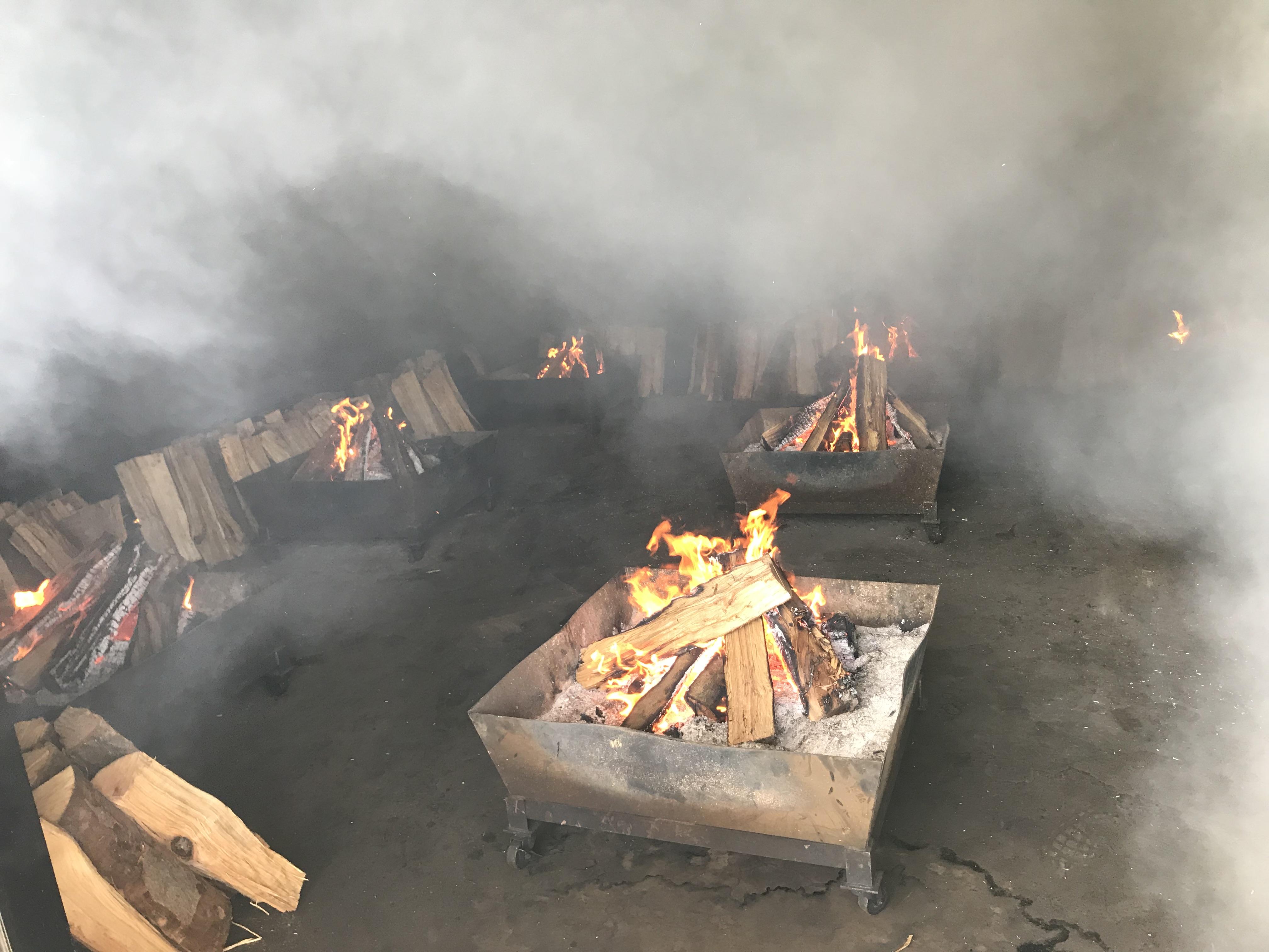 最下層の薪を燃やす部屋