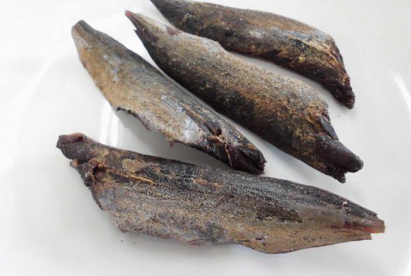 小さい鰹から出来た荒節