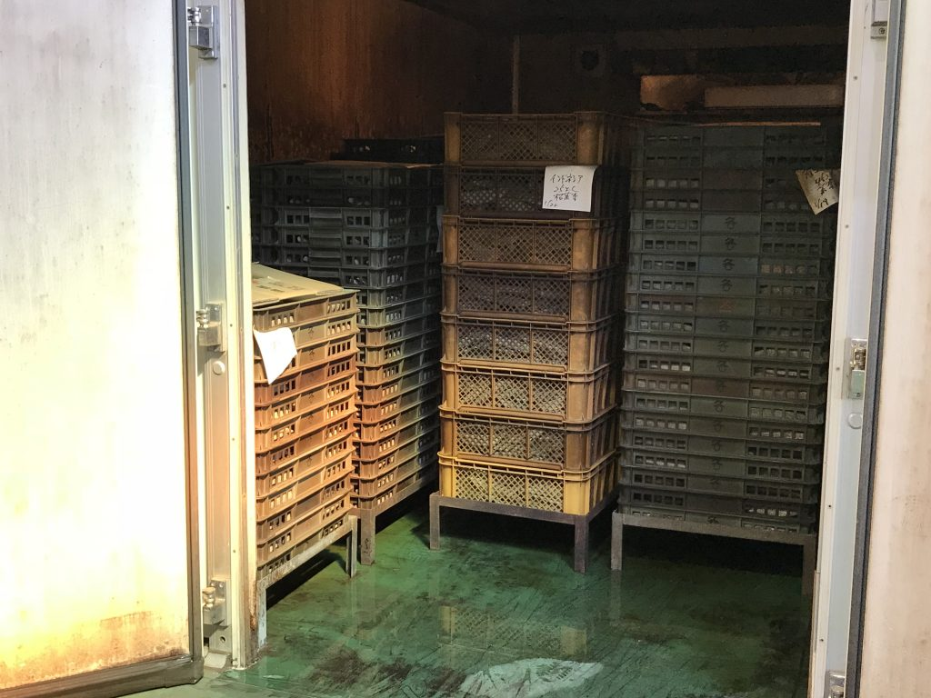 湿度の高い部屋で鰹節に良質のカビを発生させる